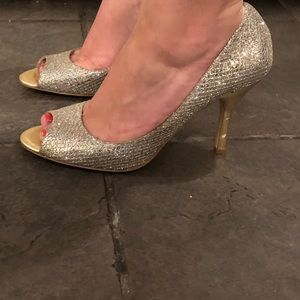 Nine West silver and gold sparkle heels size 9